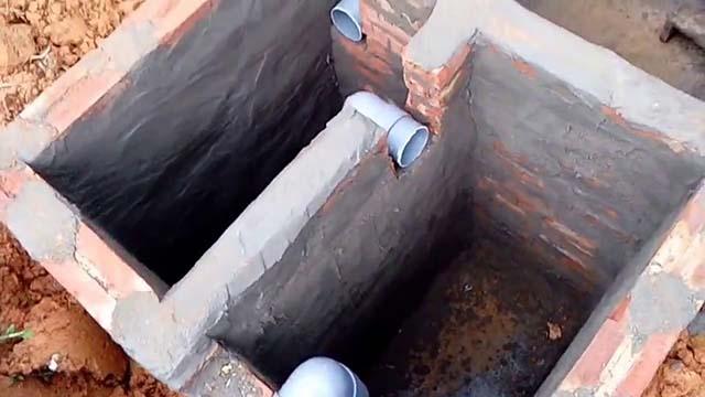 Bể phốt 2 ngăn được xây dựng bằng chất liệu gạch